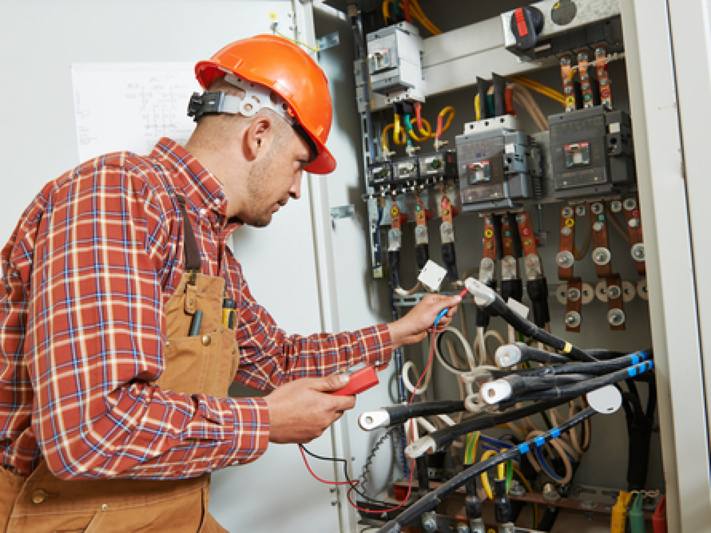Working With An Orland Park Electrician